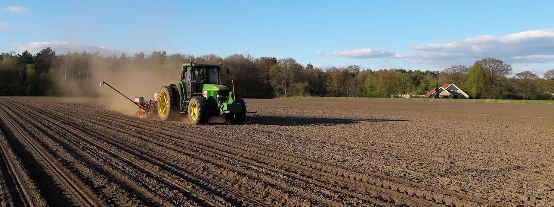 Agrarisch loonwerk grasland inzaaien
